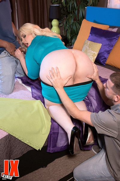 Extra-weighed blond klaudia kelly owned in anal MMF