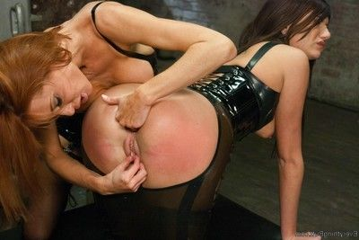Anal servant obtains dominated by hot mistresse in latex!