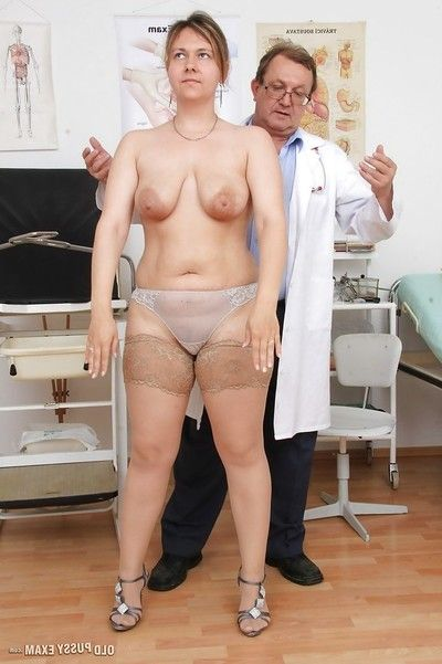 Massive melodious woman Iva Untamed has hirsute fur pie checked out by doctor