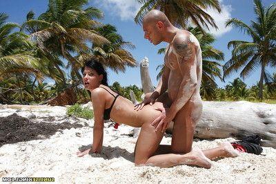 Sizzling pornstar Nataly DiAngelo enjoys intense assfucking on the beach