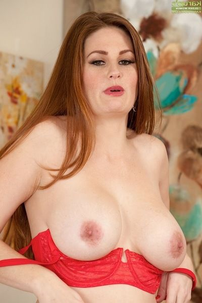 Solo angel Allison Moore revealing giant apples and apple bottoms sooner than fingering butthole