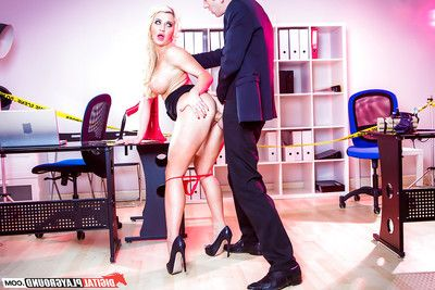 Breasty Euro queen Sienna Day screams while anal dance in computer office