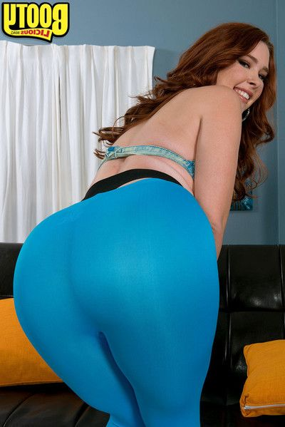 Fucking sticky and titsy massive booty melody jordan teasing a male with that guy