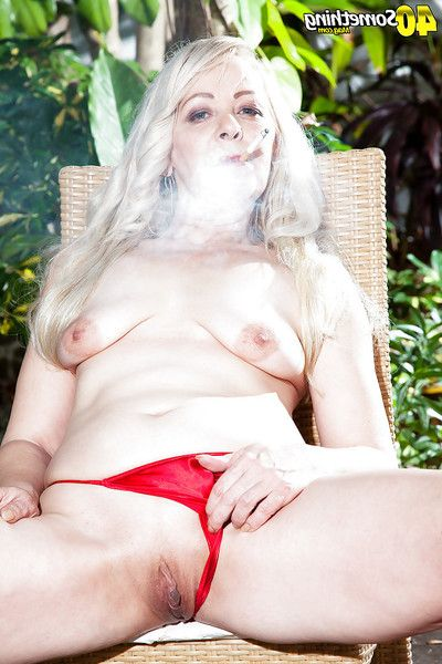 Melodious fairy-haired discloses tiny pointer sisters outdoors although fucking a cigarette
