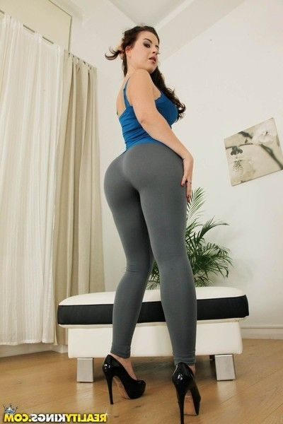 Brunette hair juvenile undresses of spandex strings previous to backdoor sexual act and jizz flow on tongue