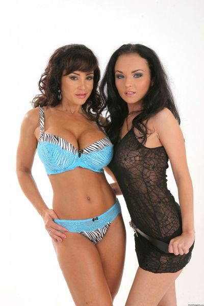 Anal lesbo aficionados lisa ann and alma blue full around with sex tools