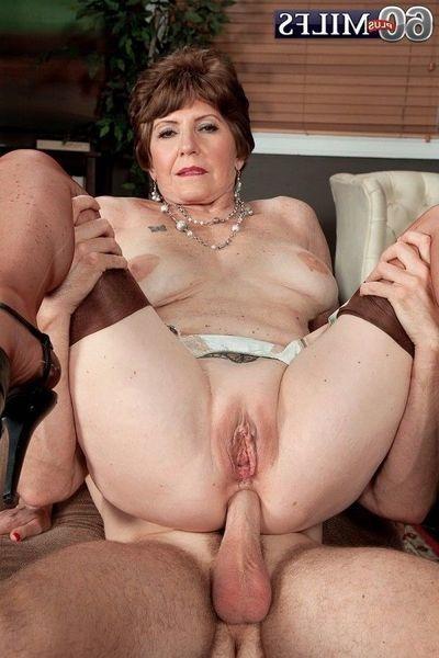 Full-grown anal photos