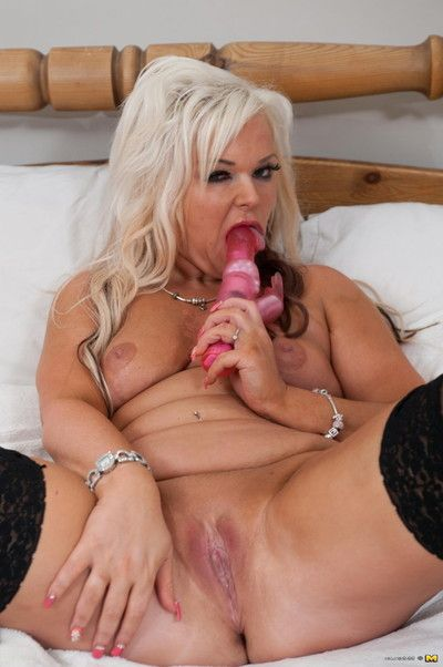Untraditional blond housewife getting fucking nasty