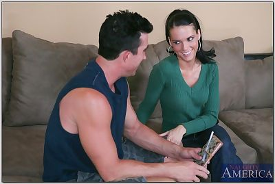 Remarkable wife Jennifer Darkish attains her small arsehole drilled hardcore