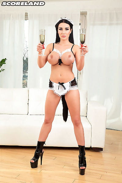 Rounded woman slave Patty Michova pleasures the fellow of the address and hid boo straight away