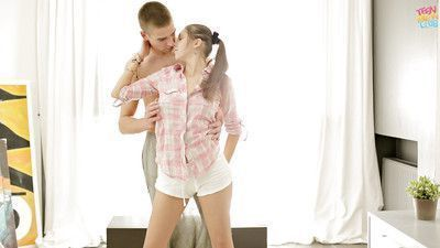 Amateur European teen Jay Dee taking cum in mouth after hardcore sex