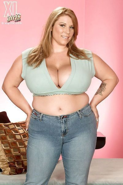 Heavy fairy-haired Renee Ross demonstrating plump milk sacks and largest anus in inflexible jeans