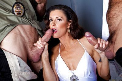 Horny MILF in stockings and lingerie India Summer gets double penetrated