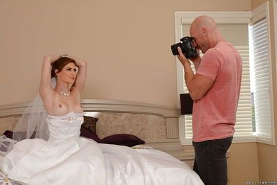 She will be the best blowjob wife on the wedding and after it