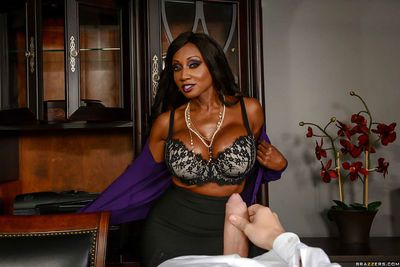 Buxom ebony MILF Diamond Jackson taking cumshot after office handjob