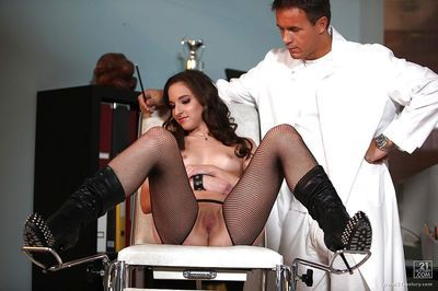 European gal in nylons gets her holes stuffed by gyno