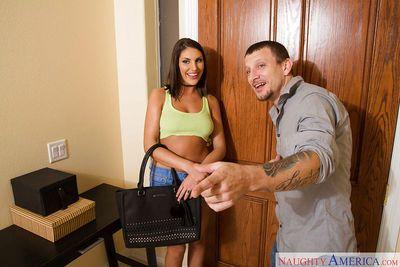 August Ames seduces her girlfriend