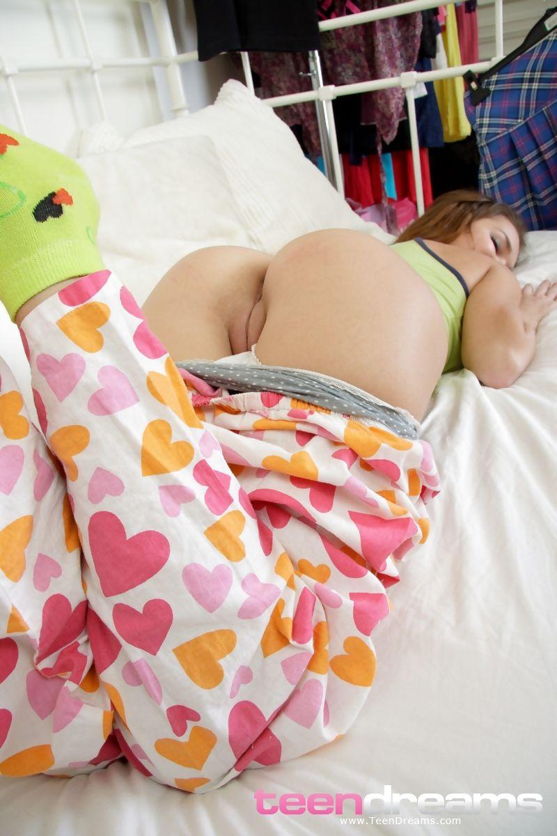 Masturbation Babe Toys Teen Sweet Pussy Posing