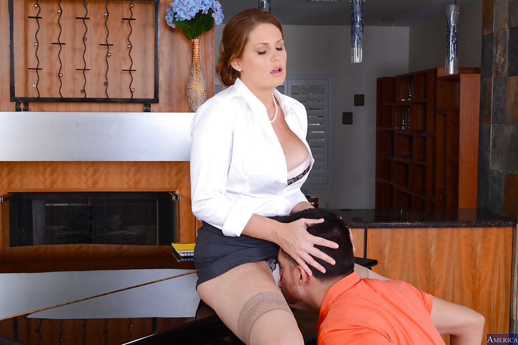 Cougar teacher Allison Moore give an amazing blowjob lesson