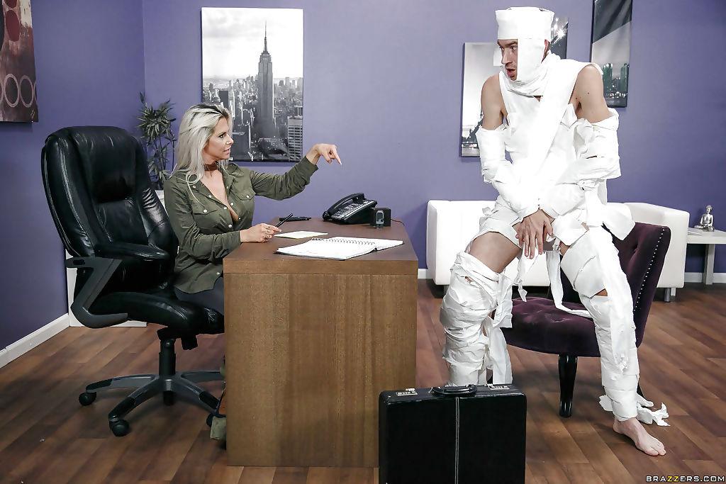 Busty secretary Rachel RoXXX fucking concussed hospital patient on desk