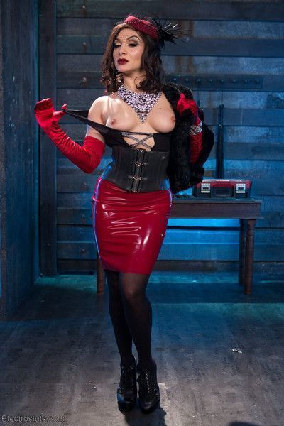 Latex clad dominatrix lea lexis makes juliette march squeal, squirm and come wit