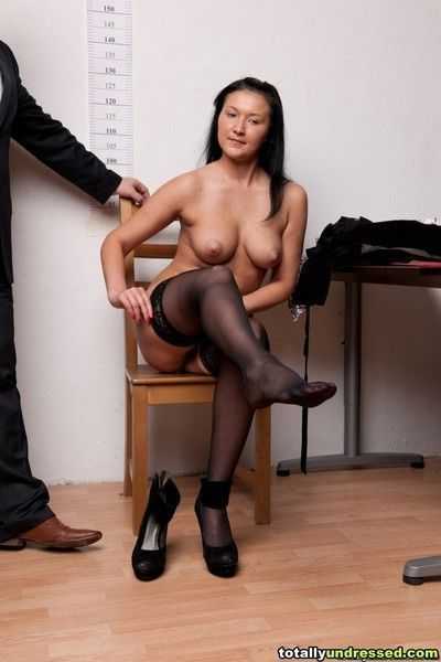 Undressed secretary poses for the top job