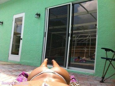 Busty brazilian babe selfshot in bikini
