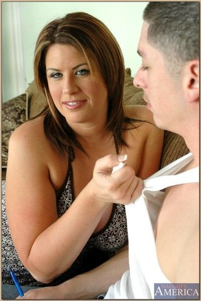 Fat mature Lisa Sparxxx pleasing a thick cock with her boobs and cunt