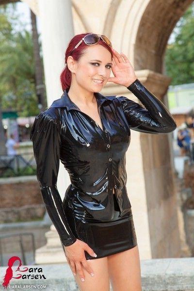 Redhead in tight latex