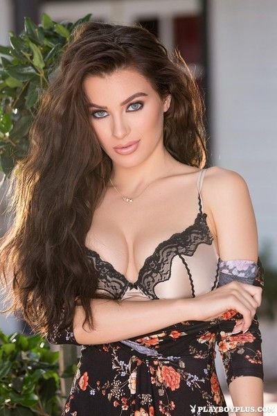 Lana rhoades enjoys the afternoon by sexily posing her gorgeous