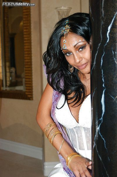 Clothed Idian milf Priya Rar does a blowjob before a hardcore sex