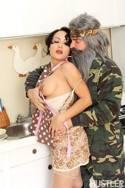 Evan stone and mahina zaltana in this aint duck dynasty xxx