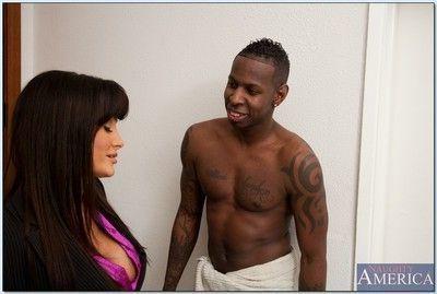Gorgeous MILF with huge boobs Lisa Ann sucks and fucks a big black boner
