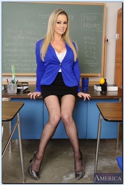 Juggy teacher with shaved vag Abbey Brooks stripping and spreading her legs