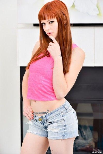 Hot redhead alexa nova gives blowjob